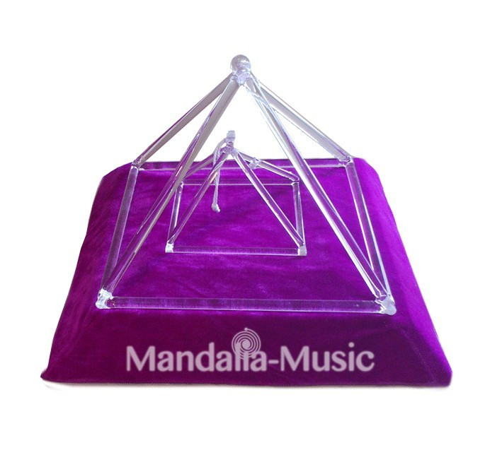 Pyramide de cristal géante